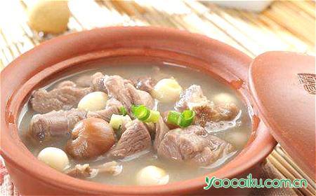 莲子羊肉汤