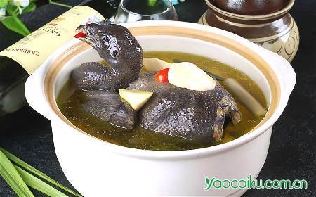 苁蓉蚝肉乌鸡煲